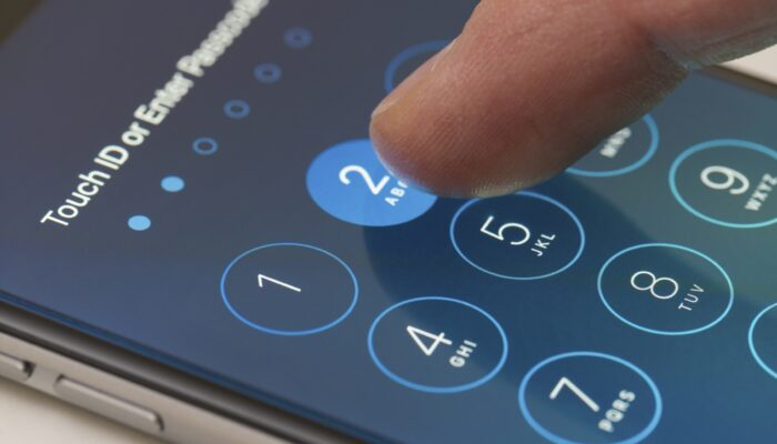 Как поставить пароль на сим-карту МТС